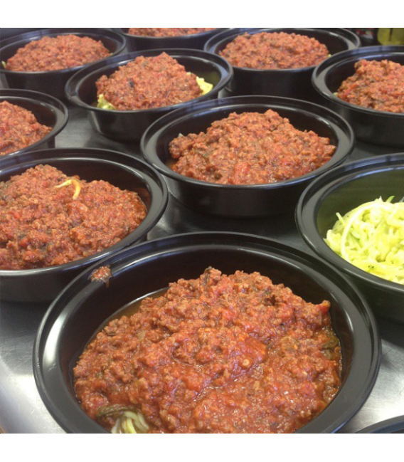 Zucchini w/ Grass Fed Beef Spinach & Tomato Sauce - Paleo - Toronto Meal Delivery - Eat Savage