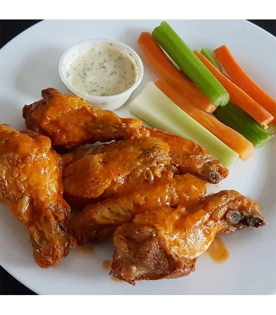 Chicken Wings with Veggie Sticks